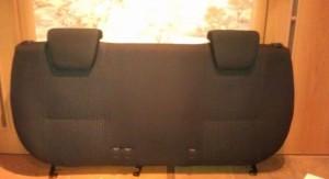 Установка подголовников заднего дивана6