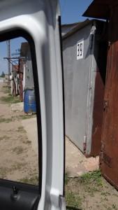 Оклейка пленкой дверных стоек1