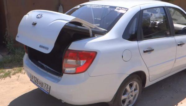 Пример работы двух пружин на крышке с шумоизоляцией и обшивкой